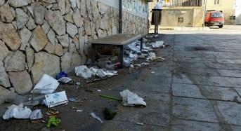 Marina di Ragusa in preda ai vandali