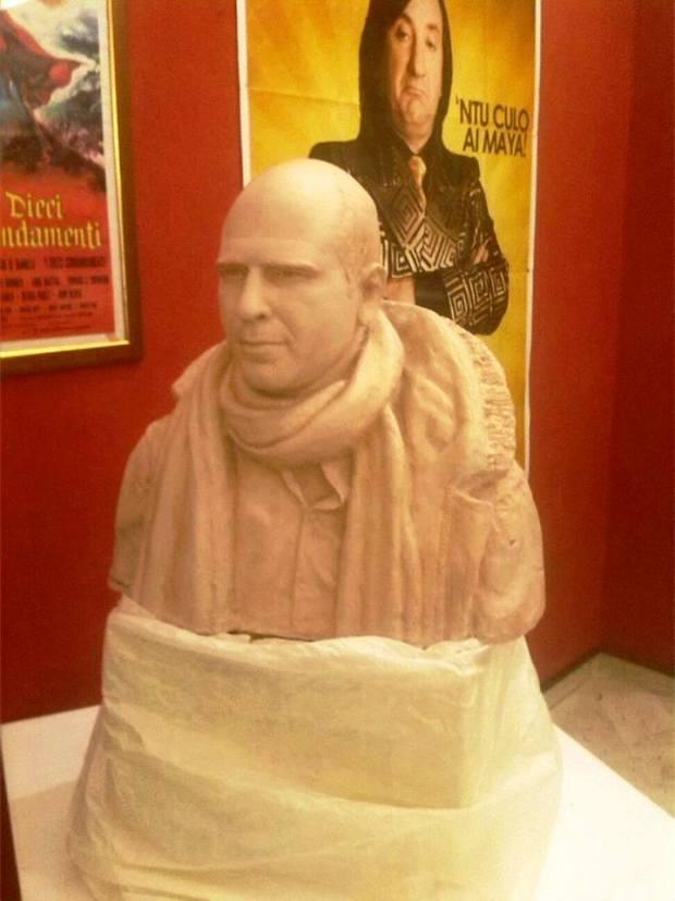 Busto Zalone