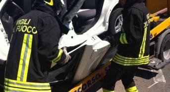 Incidente sulla Comiso –  Santa Croce, la conducente bloccata fra le lamiere dell'auto