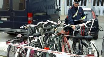 Livorno, sorpreso in sella a una bici rubata. Denunciato uno straniero