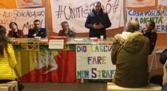 Vittoria. Vice sindaco La Rosa in visita agli agricoltori che stanno animando il presidio in tenda di piazza Gramsci
