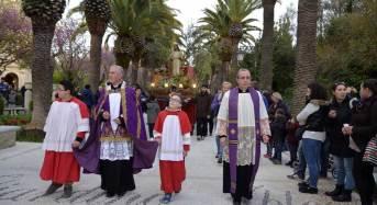 Le quarantore di adorazione del Santissimo Sacramento: Continuano a Ibla i riti della settimana santa. Oggi l'ultimo giorno