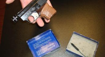 Paga la droga con una pistola lanciarazzi: arrestato uno  spacciatore in Piazza della Repubblica