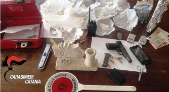 Armi e droga sequestrate in casa del boss: Arrestati la moglie ed un nipote