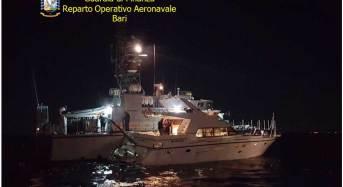 Sequestro record di marijuana: Bloccato uno yacht al largo del Gargano con quasi 4 kg