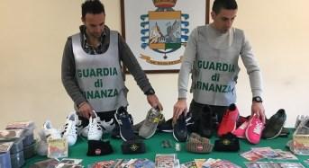 Catania. Sequestrati 1.200 prodotti illegali all'interno di un abitazione. Denunciati 4 senegalesi