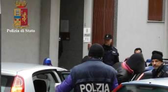 """Modica. """"O mi dai i soldi o ti brucio"""": La polizia di stato arresta un giovane per estorsione"""