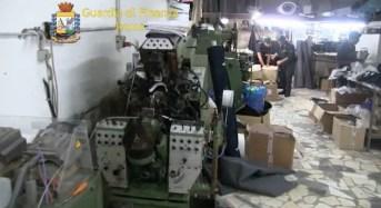 Roma. Smantellata associazione dedita alla produzione di capi e calzature contraffatte
