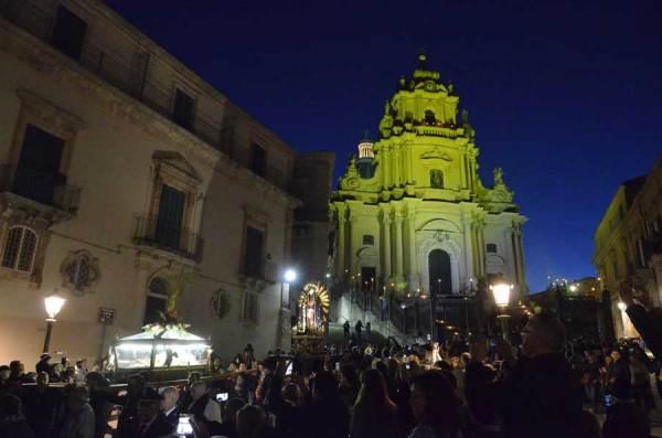 Settimana Santa a Ragusa Ibla Domani sera con partenza
