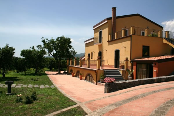Farmhouse feudogrande Farmhousesicily Catania