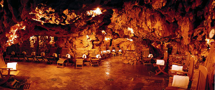Caves and tunnels in Italy Three underground favorites
