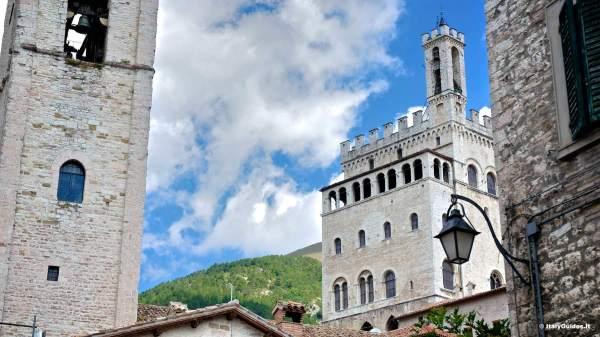 Pictures of Gubbio photo gallery of Gubbio Italy