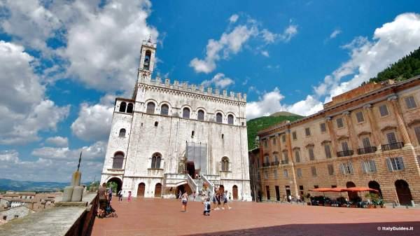 Le foto di Gubbio galleria fotografica ItalyGuidesit