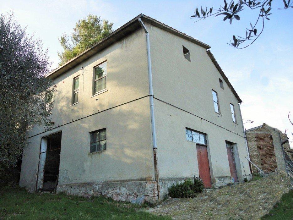 Casa in vendita in Umbria Collazzone PG con olivi e tartufai  ItalyHomeLuxury immobiliare