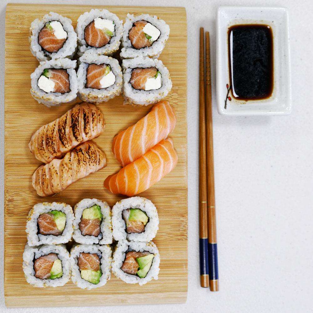 Plateau sushi au restaurant japonais à Marseille Itamae