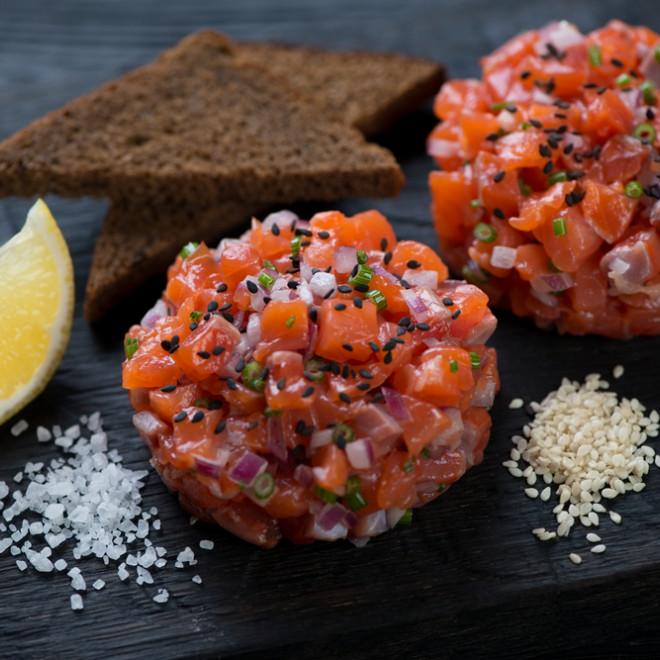 Tartare de saumon mariné