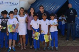 Alunos foram recepcionados pelo diretor de Cultura e Turismo, Marcelo Iamarino, em projeto de sustentabilidade (Divulgação)