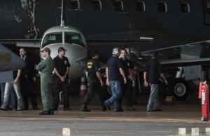 Avião da Polícia Federal levou nove condenados na Ação Penal 470 que se apresentaram em São Paulo e em Belo Horizonte (Marcello Casal Jr/ABr)