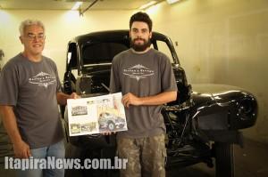 Ossian pai e Ossian filho com a revista inglesa: reconhecimento em nível mundial