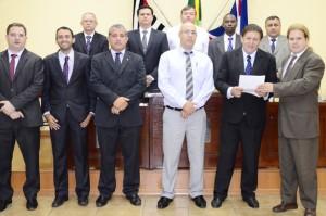 Presidente do Clube da Saudade recebeu honraria (Divulgação)