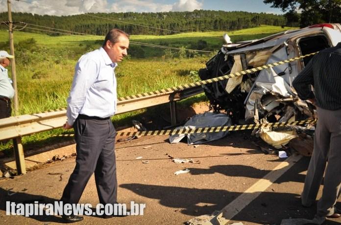 Delegado Fernando Zucarelli foi ao local do acidente