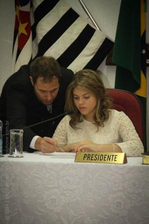 Olívia Calidone foi escolhida para ocupar a Presidência e recebeu orientações de funcionários da Casa