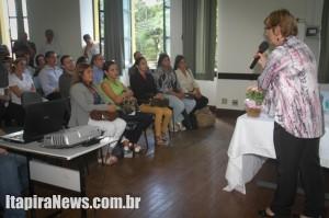 Secretária de Saúde, Rosa, saudou os profissionais estrangeiros