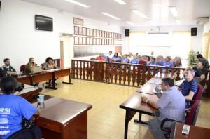 Contratação de associações e cooperativas motivou reunião na Câmara (Divulgação)