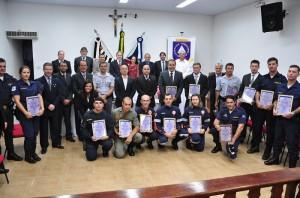 Alguns dos homenageados; cerimônia reuniu diversos órgãos de segurança (Zalberfotos)