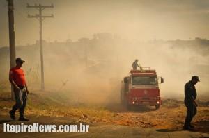 Defesa Civil e Brigada de Incêndio atuaram no combate ao fogo