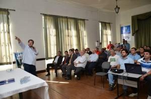 Mantuan apresentou detalhes do projeto durante assinatura do contrato (Prefeitura Municipal)