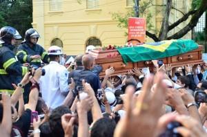 Campos foi sepultado ao lado do avô, em Recife (Fernando Frazão/Agência Brasil)