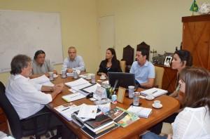 Encontro foi abrigado no ganinete do prefeito (Divulgação)