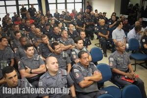 Policiais e guardas acompanharam explanações (Leo Santos)