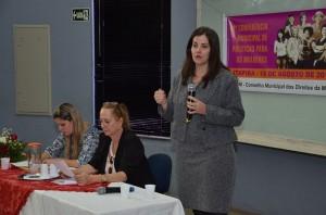 Delegada Vânia, da DDM, falou aos presentes (Divulgação)