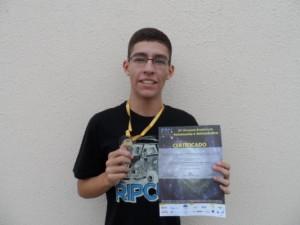 Júnior conquistou medalha de ouro em olimpíada estudantil (Divulgação/Etec)