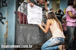 Estudantes protestam em Itapira contra reorganização da rede de ensino