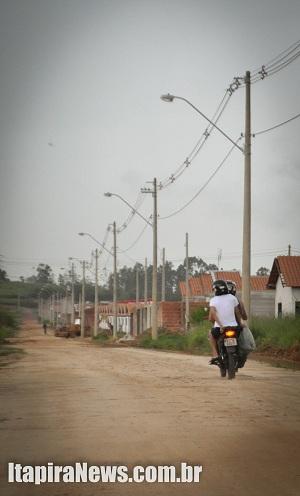 Ruas de terra incomodam moradores no José Tonolli