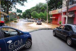 Ruas de Mogi Guaçu foram alagadas (Divulgação)
