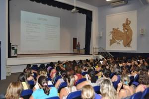 Educadores acompanharam palestras em Itapira (Divulgação)