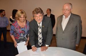 Paganini e Munhoz participaram de assinatura de convênio em São Paulo (Divulgação)