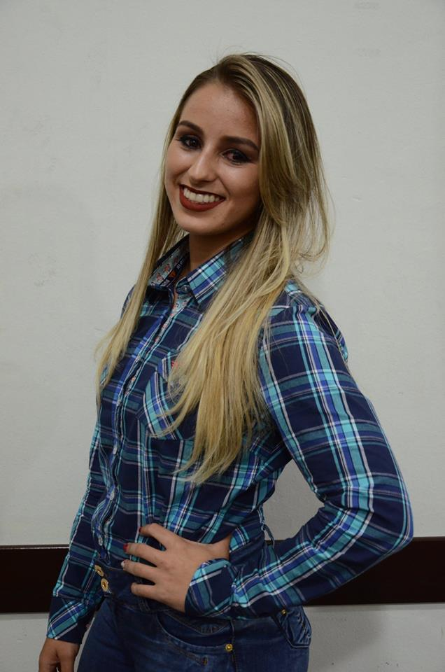 Elisa Cristina Letran Plaça – 21 anos