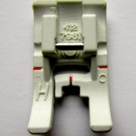 Nonstick Glide Presser Foot. http://www.itchinforsomestitchin.com