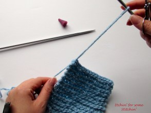 How to Bind Off in Knitting Step 5a