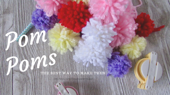 The Absolute Best Way to Make Pom Poms by http://www.itchinforsomestitchin.com