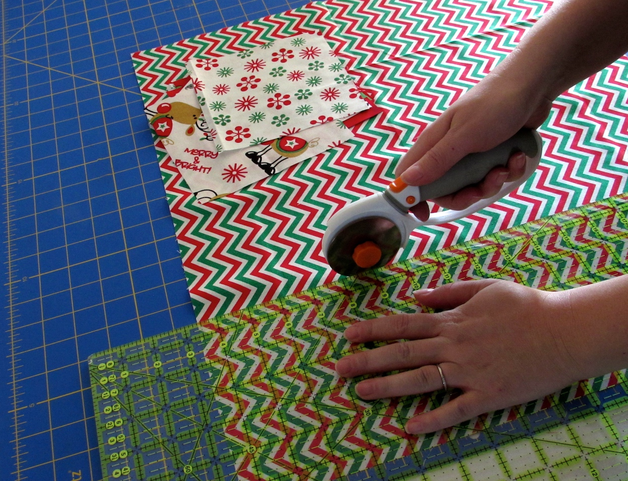 Cutting the fabric for scented sachets by www.itchinforsomestitchin.com