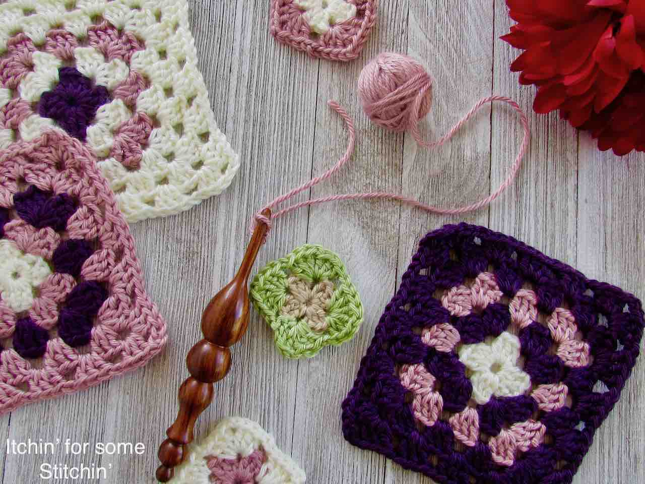 Classic Granny Squares Pattern by http://www.itchinforsomestitchin.com