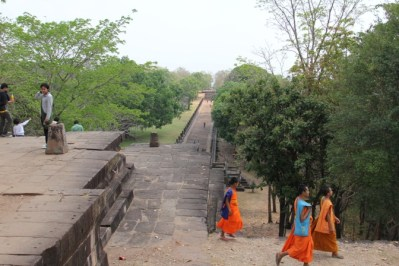 Phanom Rung monks