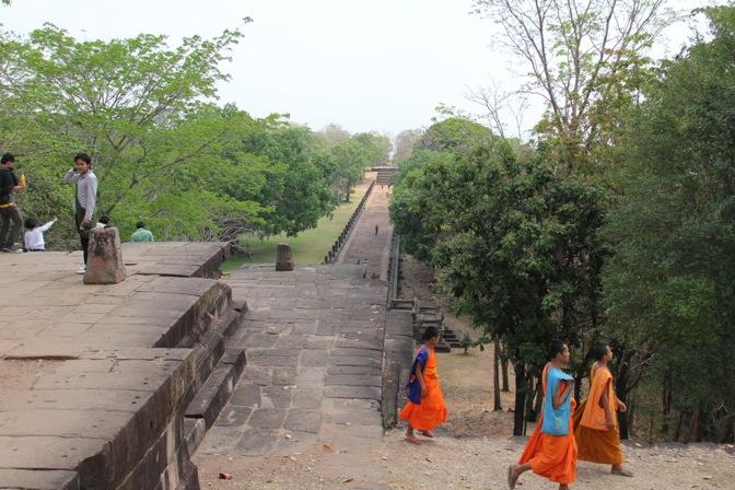 Phanom Rung monks