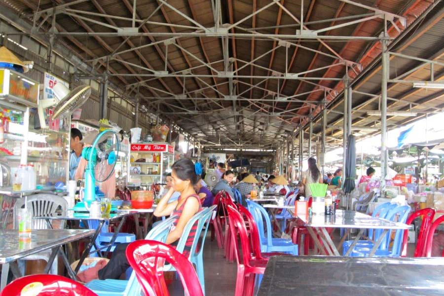 Ben Tre Market Vietnam's food section